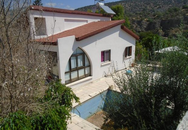 2 bed detached bungalow for sale in Akrounta, Limassol, Cyprus