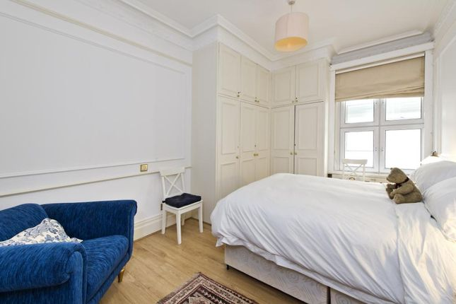 Bedroom of Old Court House, 24 Old Court Place, London W8