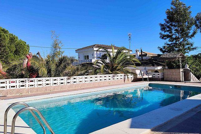 Villa for sale in Turis, Valencia, Spain