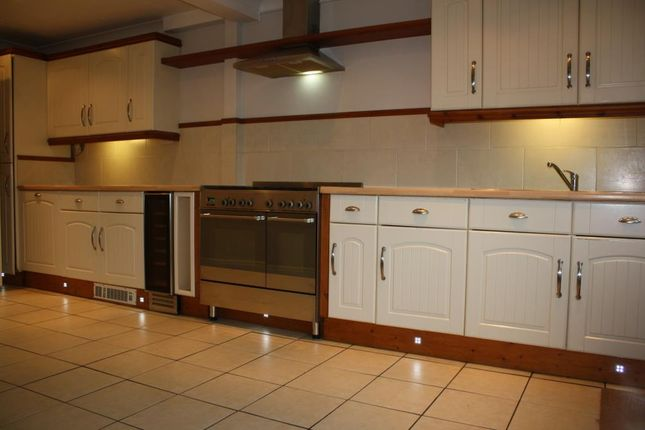 3 bed property for sale in Crownfield Road, Ashford, Kent