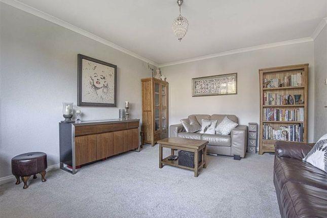 Thumbnail Flat to rent in London Road, Dunton Green