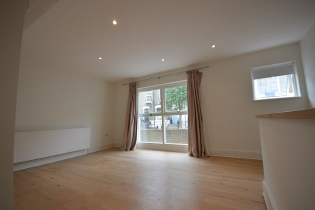 Thumbnail End terrace house to rent in Arundel Square, Islington