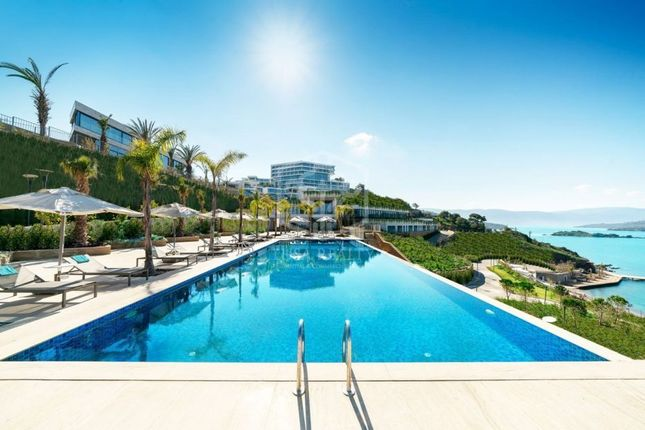 Thumbnail Hotel/guest house for sale in Platja D'aro, Costa Brava, Spain