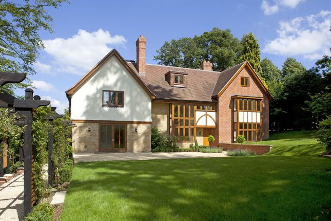 Thumbnail Detached house to rent in Holden Road, Southborough, Tunbridge Wells