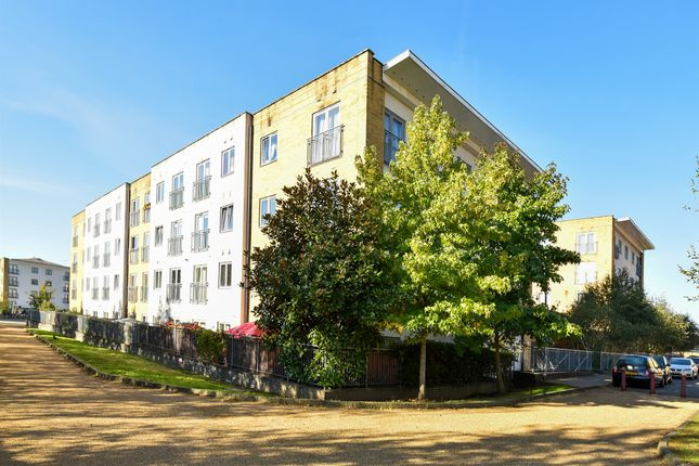 Flat for sale in Taywood Road, Northolt