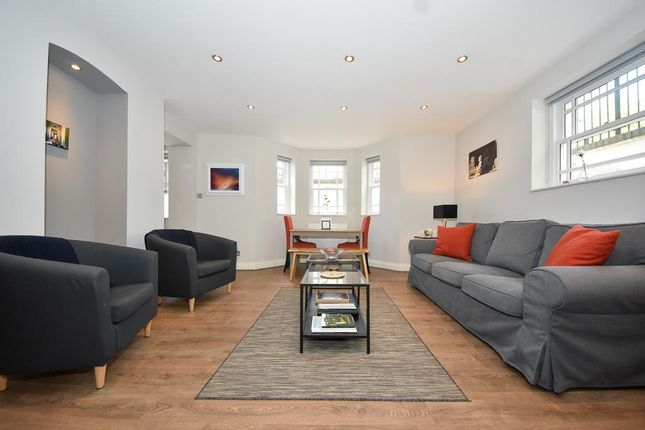 Thumbnail Flat for sale in Buckland House, Avenue Road, Leamington Spa