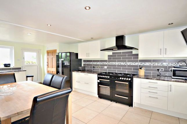 Thumbnail Semi-detached house to rent in The Shaw, Cookham, Maidenhead
