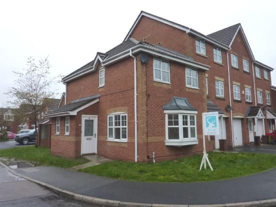 Mews house to rent in Park Close, Preston