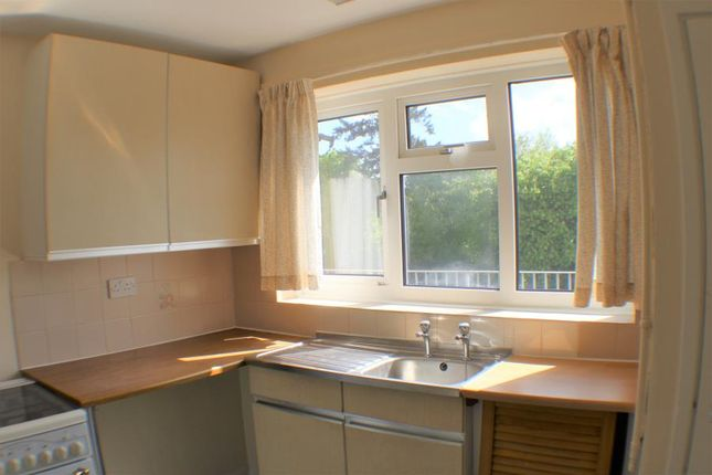 Thumbnail Maisonette to rent in Essex Close, Bordon