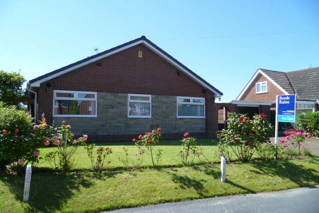 Thumbnail Bungalow for sale in Main Street, Great Hatfield, Hull