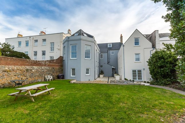 Thumbnail Flat to rent in Grange Road, St. Peter Port, Guernsey