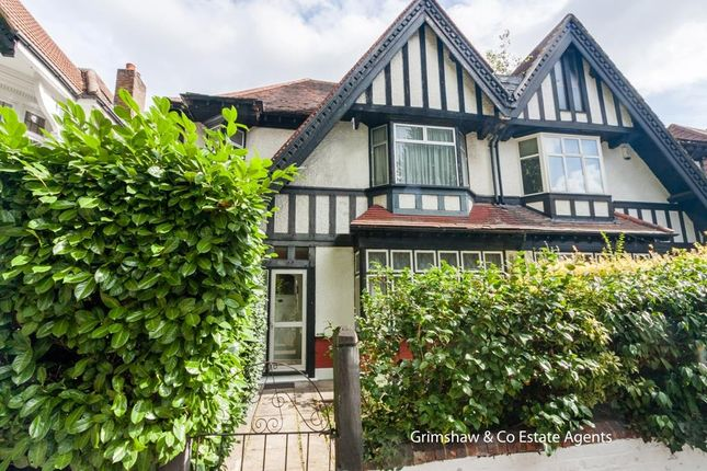 Thumbnail Property for sale in Hart Grove, Ealing Common, London
