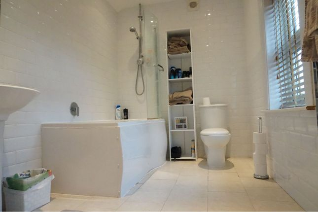 Bathroom of Holmlea Road, Slough SL3