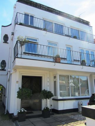 Thumbnail Flat for sale in Salisbury Road, Leigh-On-Sea