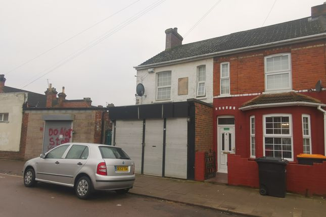 Thumbnail Flat for sale in Coventry Road, Bedford