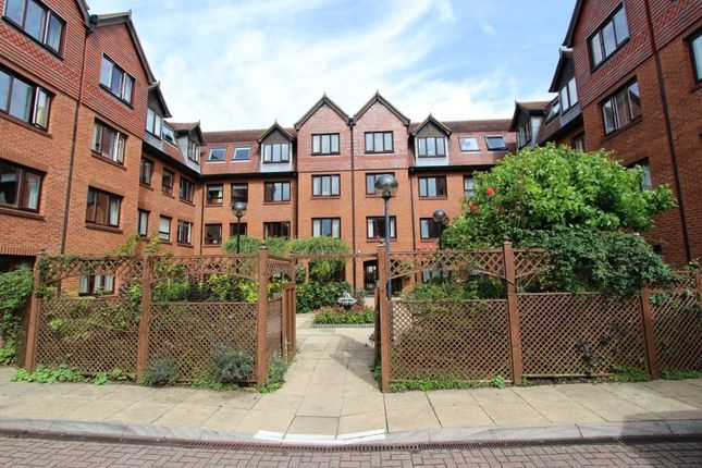 Thumbnail Flat to rent in Rosebery Court, Water Lane, Leighton Buzzard