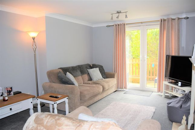 Living Room of Charles Avenue, Oakes, Huddersfield HD3
