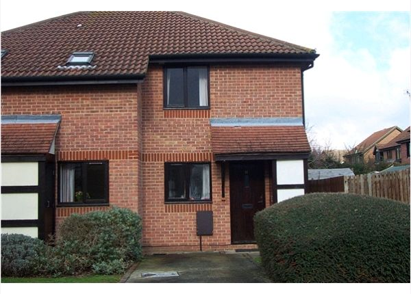 Thumbnail Terraced house to rent in Cullerne Close, Abingdon