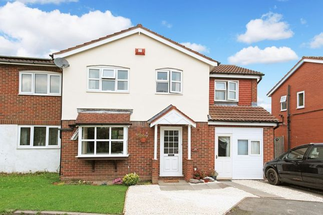 5 bed semi-detached house for sale in Hopkins Heath, Telford