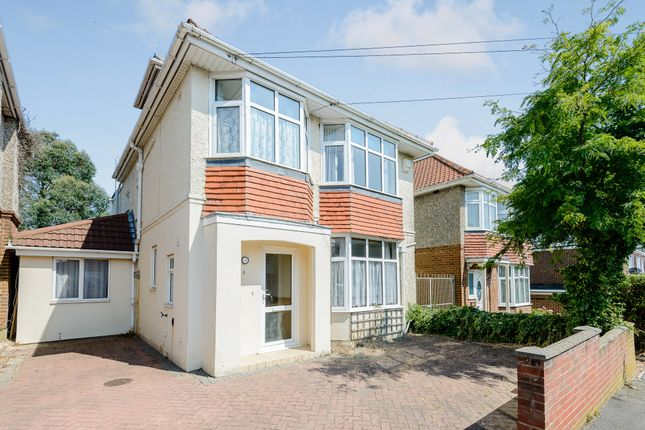 Thumbnail Shared accommodation to rent in Pine Avenue, Poole