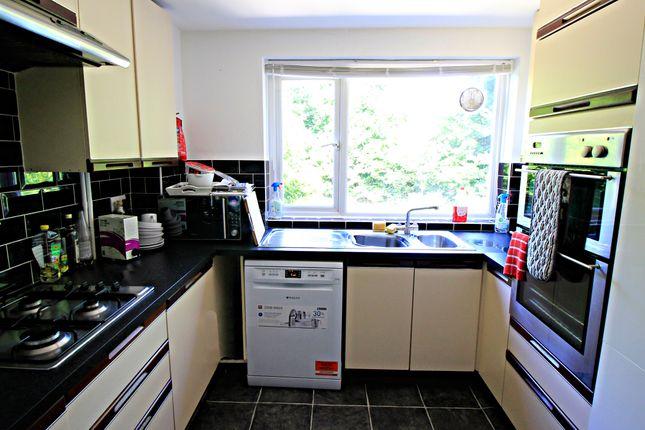 Thumbnail Room to rent in Ashdown, Farnborough