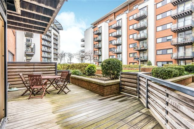 Thumbnail Flat for sale in Mistral, 32 Channel Way, Southampton