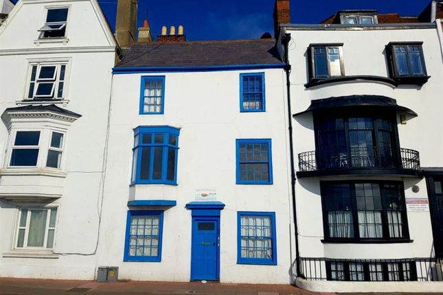 2 bed flat to rent in Marine Parade, Eastbourne