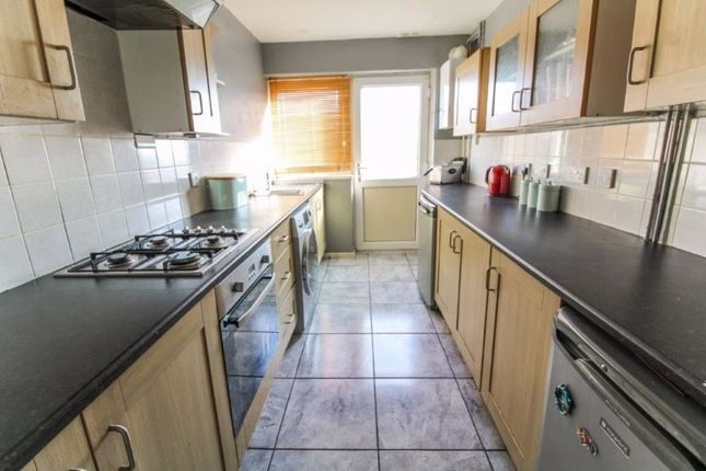 Kitchen of Lakeland Drive, Lowestoft NR32