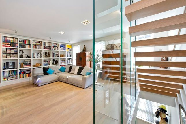Thumbnail Mews house for sale in Kensington Park Mews, Notting Hill