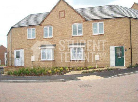 Thumbnail Detached house to rent in Christmas Street, Gillingham