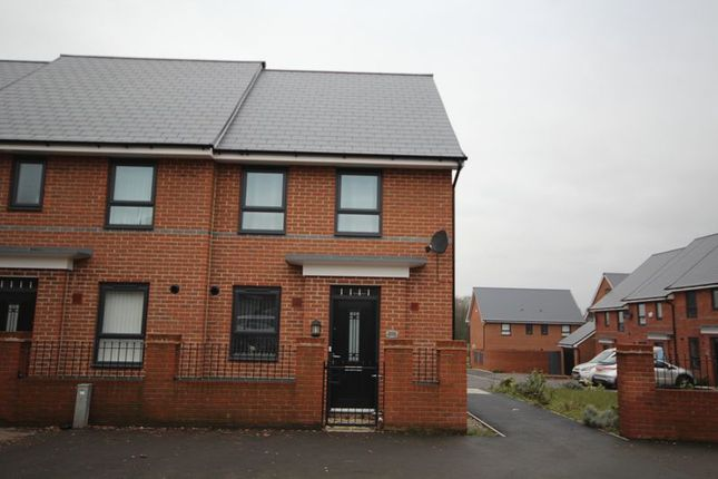 Thumbnail Town house to rent in Manchester Road, Castleton, Rochdale