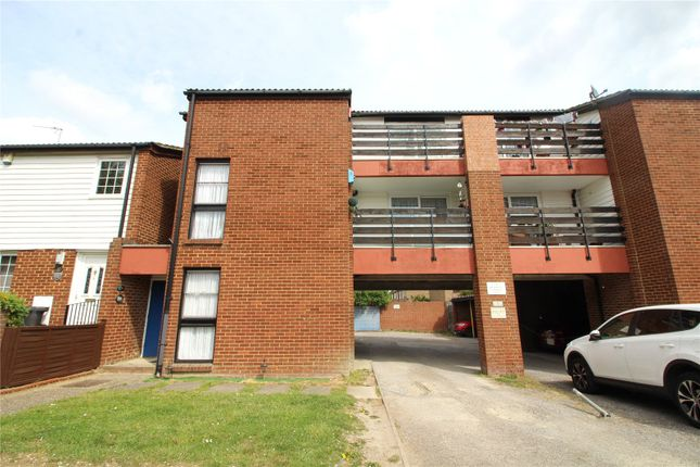 Thumbnail 1 bed maisonette to rent in The Hollies, Gravesend