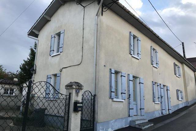 Thumbnail Detached house for sale in La Roche, La Roche-Chalais, Saint-Aulaye, Périgueux, Dordogne, Aquitaine, France