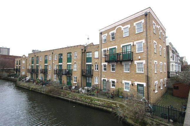 Thumbnail Terraced house to rent in Nightingale Mews, Bow