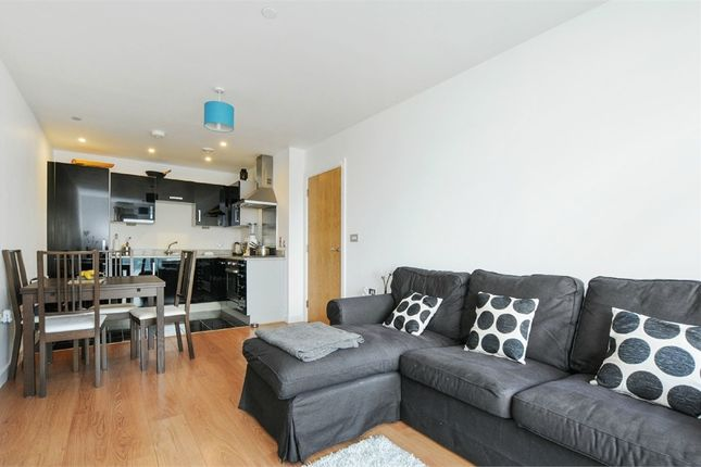 Thumbnail Flat to rent in 25 Barge Walk, North Greenwich, London
