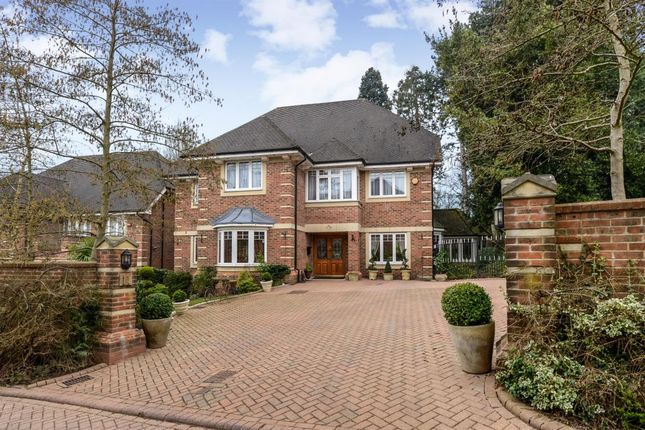 Thumbnail Detached house for sale in Saddlers Close, Arkley, Barnet