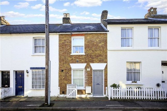 Thumbnail Terraced house for sale in Hyde Road, Richmond