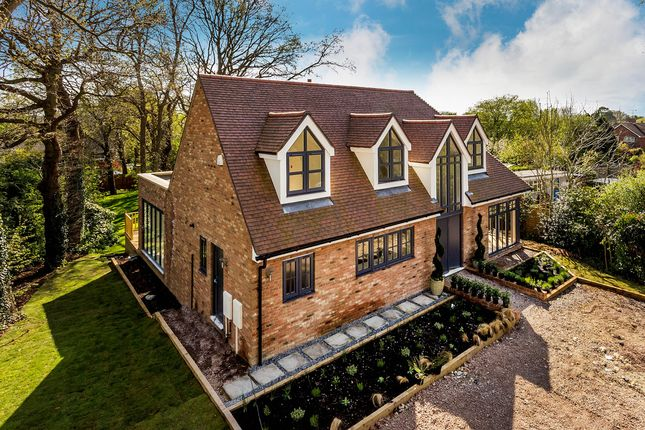 Thumbnail Detached house for sale in Swan Lane, Edenbridge