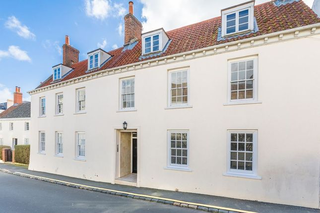 Thumbnail Town house for sale in Hauteville, St. Peter Port, Guernsey