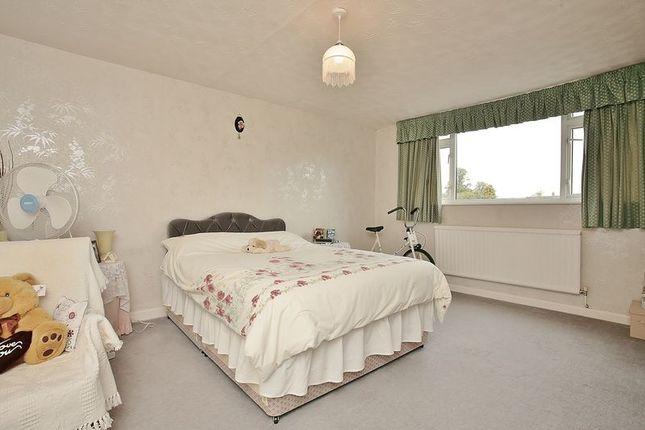 Bedroom 1 of Fawn House, The Ridgeway, Bloxham OX15