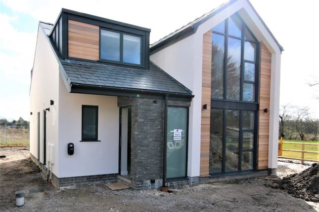 Thumbnail Detached house for sale in Sunnybank Drive, Wilmslow