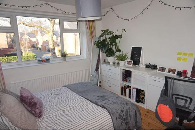 Thumbnail Semi-detached house to rent in Clifton Avenue, Manchester