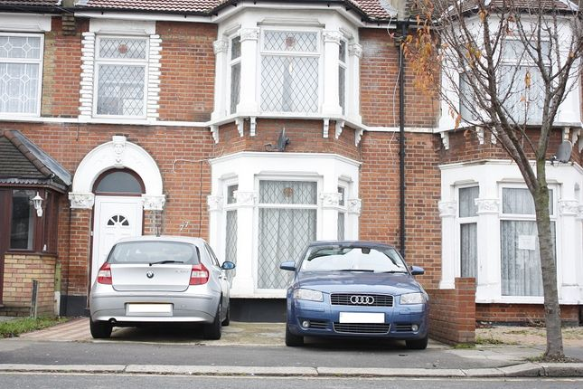 Thumbnail Flat to rent in Wanstead Park Road, Ilford