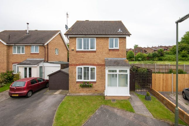 Thumbnail Detached house to rent in Whitegate Way, Tadworth