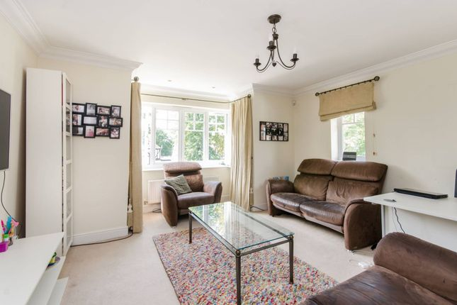 Thumbnail Flat for sale in The Avenue, Hatch End, Pinner