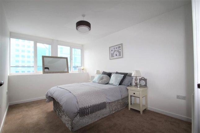 Thumbnail Flat to rent in Enterprise House, Southsea