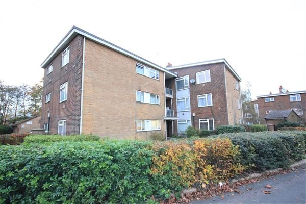 Thumbnail Flat to rent in Flat J, 3 Anchor Close, Bournemouth