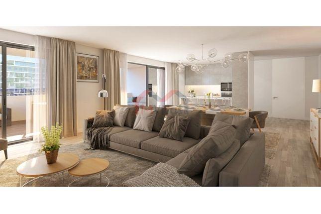 Thumbnail Apartment for sale in Centro (São Pedro), Faro (Sé E São Pedro), Faro