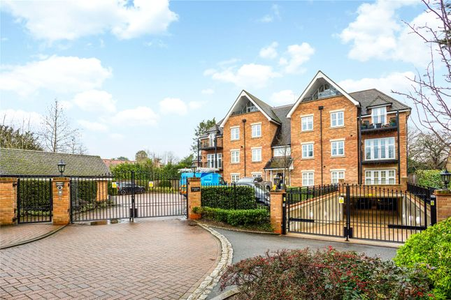 Thumbnail Flat for sale in Rutherford House, Packhorse Road, Gerrards Cross, Buckinghamshire