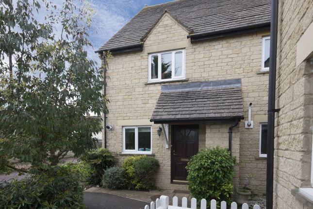 3 bed semi-detached house to rent in Kingsfield Crescent, Witney
